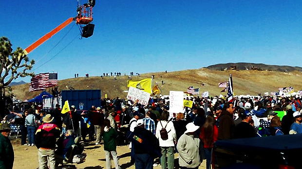 obamas-private-army-storm-troopers-surround-nevada-ranch-waco-style-blm-stands-down