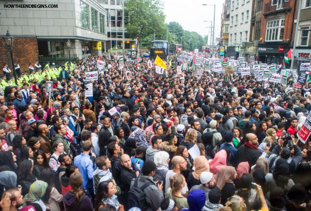 pro-palestinian-protesters-outside-israeli-embassy-london-england-02