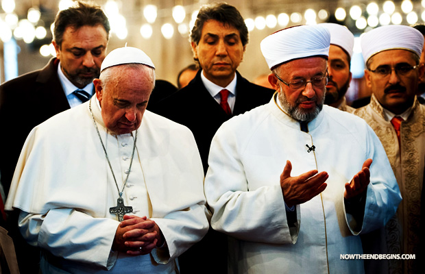pope-francis-prays-in-turkey-mosque-istanbul-new-outreach