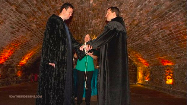 two-male-witches-celebrate-first-uk-same-sex-marriage-lgbt-pagan