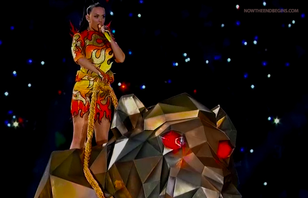 katy-perry-illuminati-princess-super-bowl-2015-new-world-order-nwo-pyramid-symbol-riding-monster