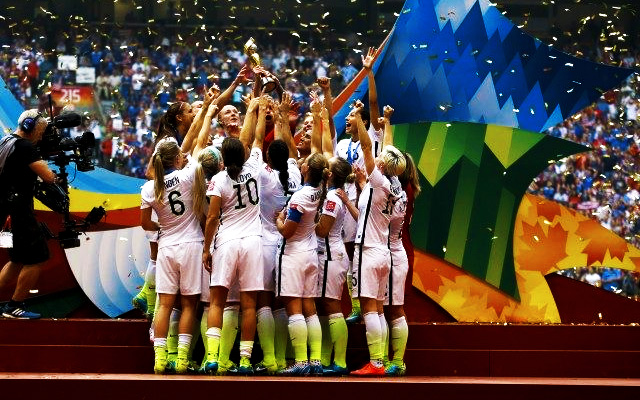 nike-removes-red-white-blue-from-2015-womens-world-cup-2015-soccer-team