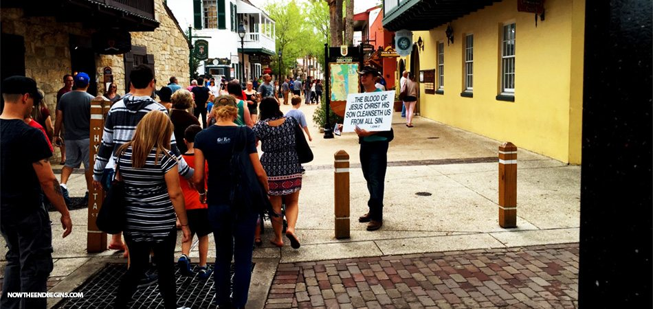 street-preaching-in-saint-augustine-florida-march-2016-nteb-gospel-tracts