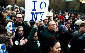 27000-attend-bernie-sanders-rally-new-york-city-hillary-clinton-shocked
