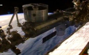 nasa-cuts-live-feed-from-iss-as-horseshoe-shaped-ufo-appears-in-frame-conspiracy-theory-aliens-outer-space-nteb