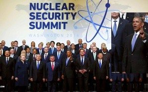 obama-flashes-two-finger-illuminati-peace-sign-at-nuclear-security-summit-washington-april-2016