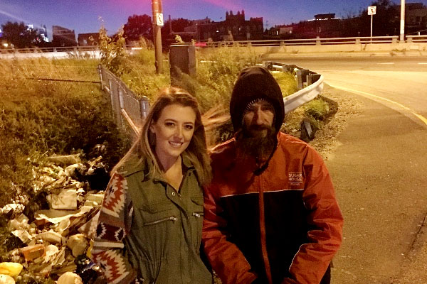 homeless-marine-gives-last-20-dollars-stranded-woman-kate-mcclure-new-jersey-semper-fi