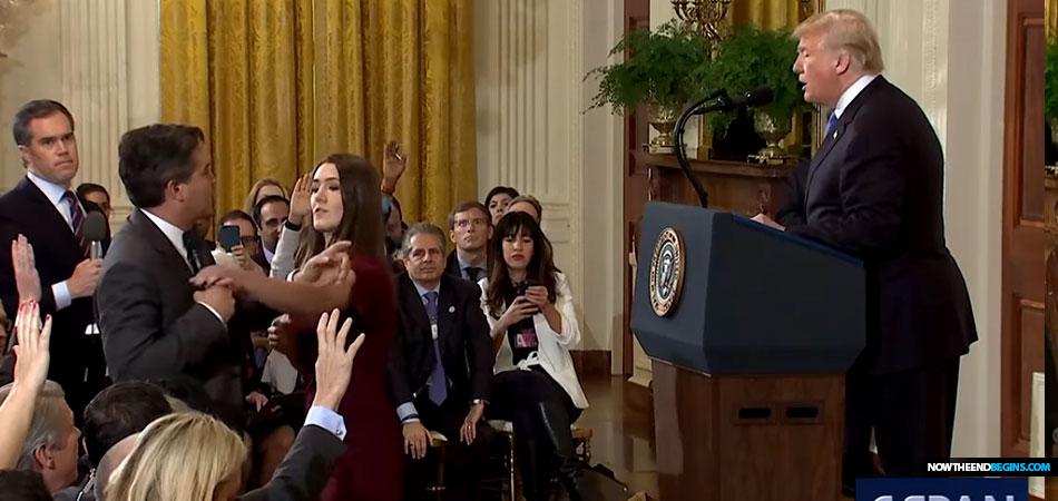jim-acosta-fake-news-cnn-battles-president-trump-grabs-mic