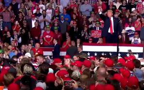 woman-faints-trump-rally-crowd-sings-amazing-grace