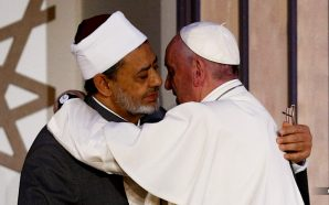 pope-francis-signs-end-times-fraternity-pact-with-radical-muslim-sheik-ahmad-el-tayeb-antichrist-catholic-church-islam