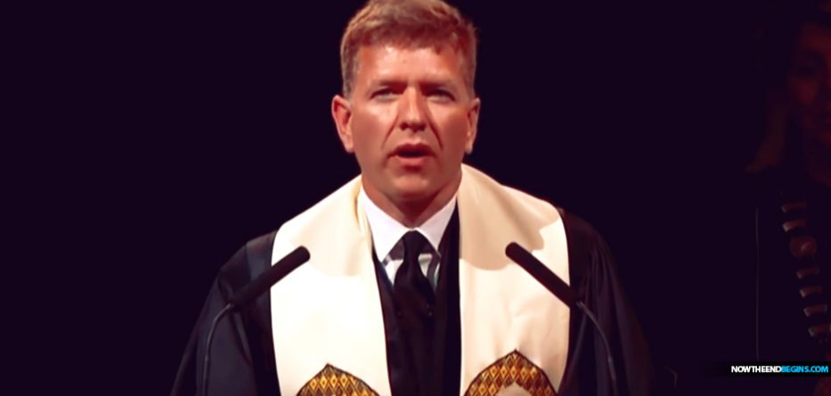 """Baylor University Prayer Denounces """"Straight White Men"""""""