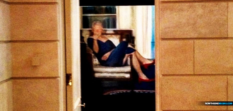 Did Jeffrey Epstein have painting of Bill Clinton wearing a blue DRESS and red heels and lounging in the Oval Office inside his Manhattan mansion?