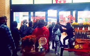 black-lives-matter-domestic-terrorists-force-their-way-into-seattle-trader-joes-demand-15-percent-profits-blm-riots