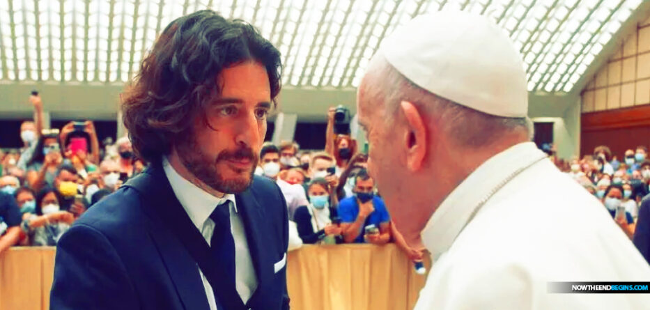 chosen-actor-playing-jesus-jonathan-roumie-meets-with-pope-francis-in-reptile-serpent-papal-audience-hall-building-asks-for-blessing